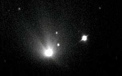 Hale-Bopp comet and UNI
